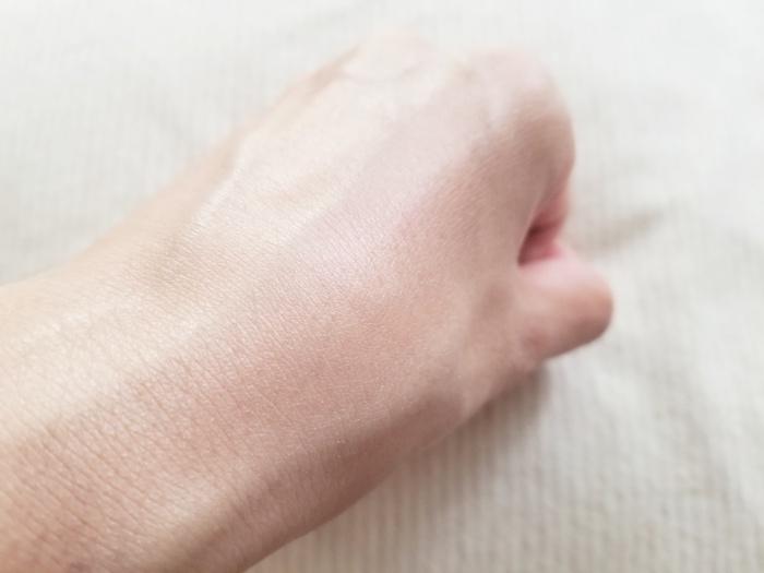 30代乾燥肌持ちの私がラネージュのスキンベールルミナイジングベースを使った感想!