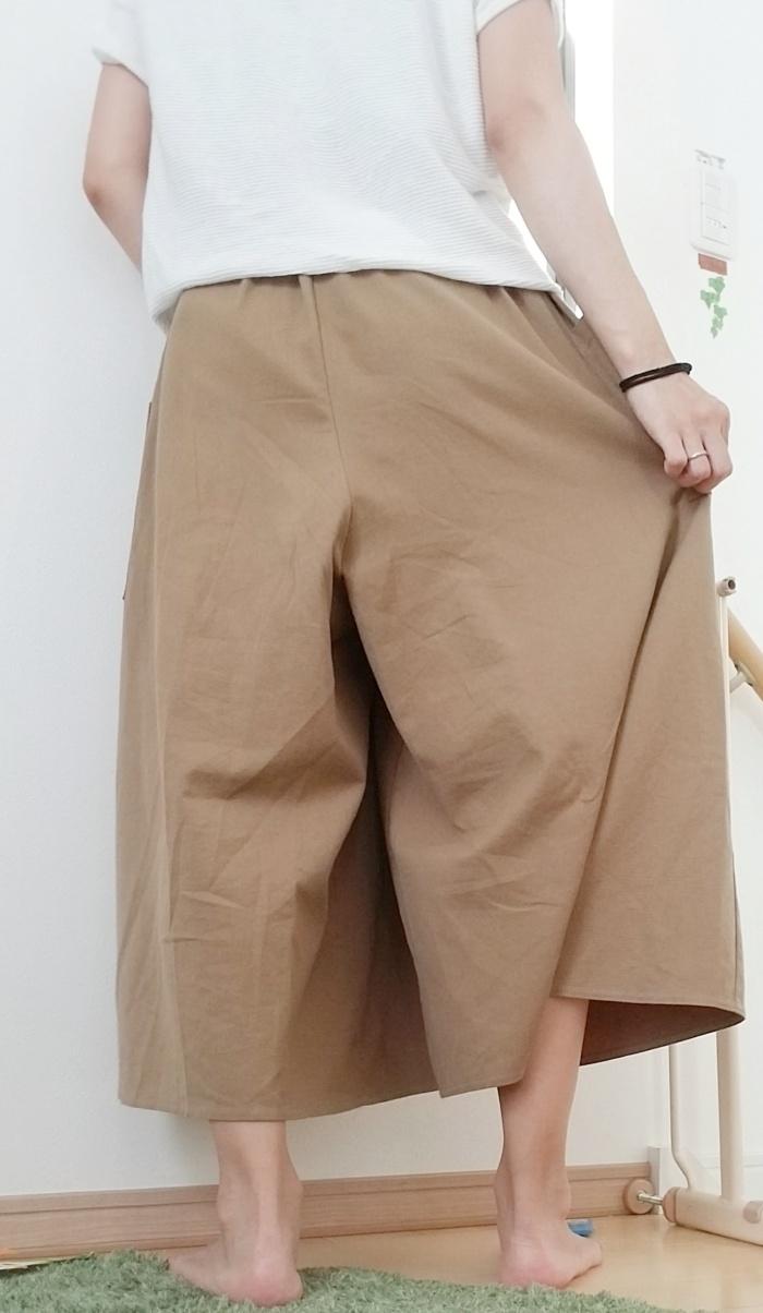 茶色(ブラウン)のガウチョワイドパンツで秋コーデ!30代女子がカジュアルに着こなし♪