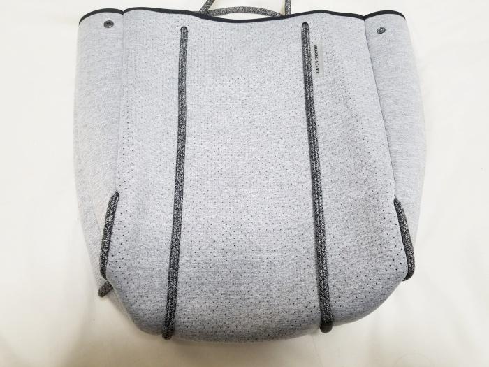 A4サイズがすっぽり入る縦型トートバッグ購入レビュー!大きさの目安は?