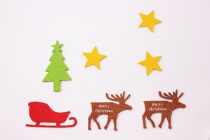 フェルトで手作りできるクリスマスオーナメントの作り方!子供も一緒にできるよ