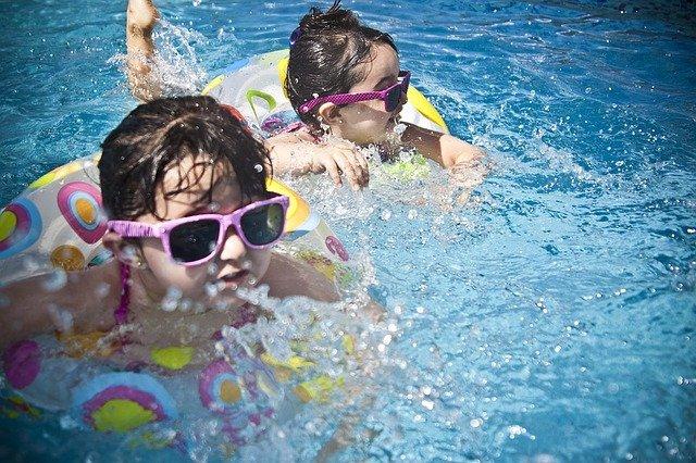 プール水温と気温