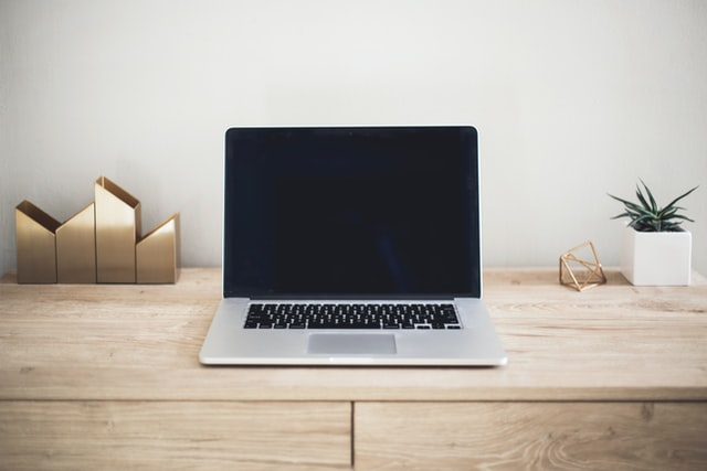 会社のWi-Fiに接続したらどこまでばれる?情報漏えいリスクにも注意!